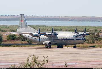 Ан-12ПС - поисково-спасательный самолет Ax3Ba