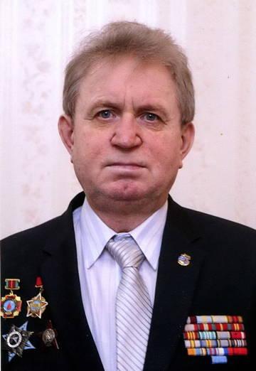 http://s4.uploads.ru/t/YcBua.jpg
